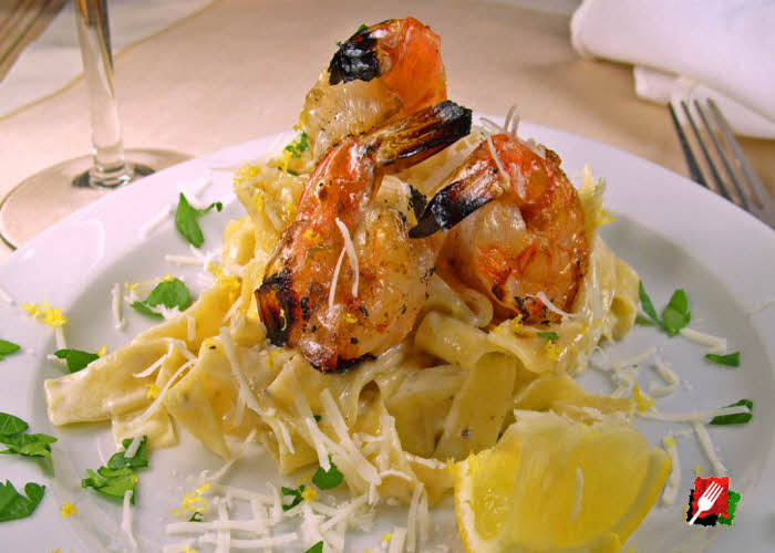 Lemon Pepper Pasta with Grilled Shrimp