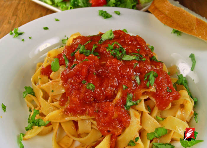 Fresh Pasta with Marinara Sauce