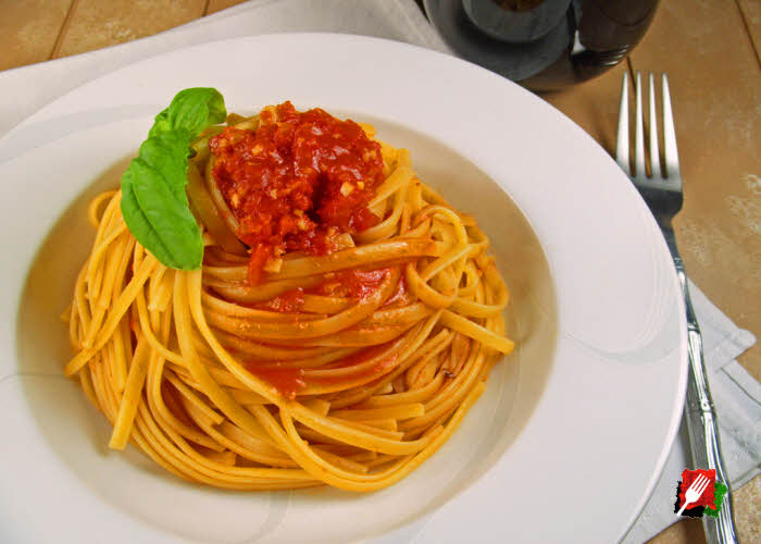 Linguine Pasta with Marinara Sauce