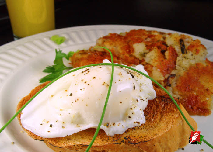Poached Eggs Over Toast with Hash Browns